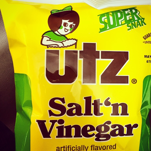 Is it just me or does it seem like Sally UTZ has been kissing up on the Jolly Green Giant lately? Her rosy cheeks are now green with lust, for some reason, on the Salt 'n Vinegar chip package. #color #design #ThisIsBaltimore #junkFood